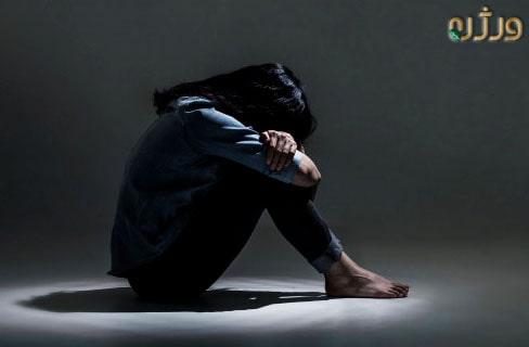 دختر تنها و افسردگی